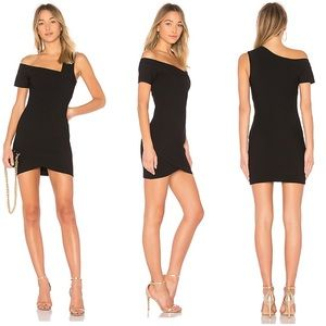 Cinq a Sept NWT Coralisa Cocktail Dress in Black